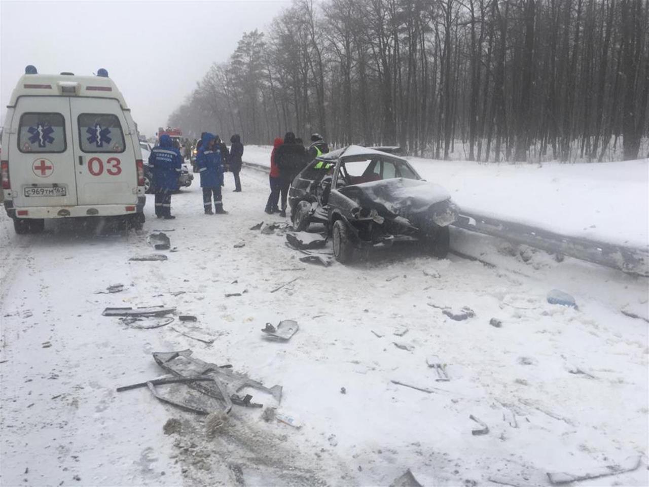 Между Тольятти и Самарой на М-5 столкнулись 4 машины
