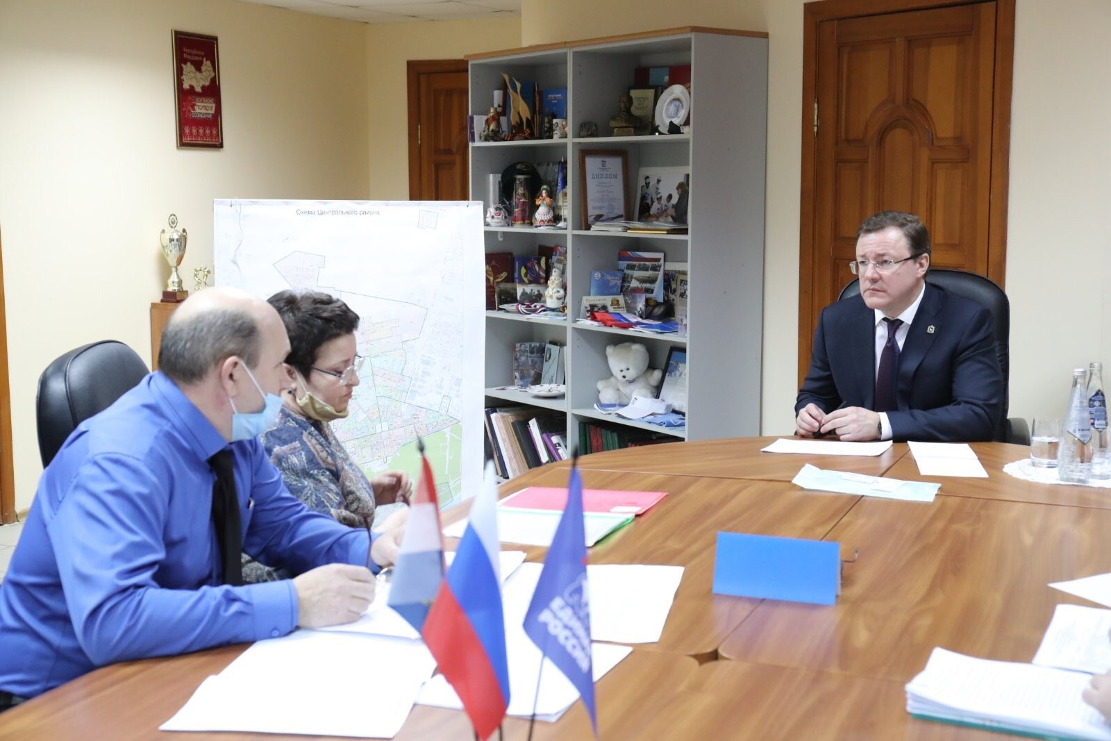В Тольятти Дмитрий Азаров и жители микрорайона Северный обсудили развитие территории