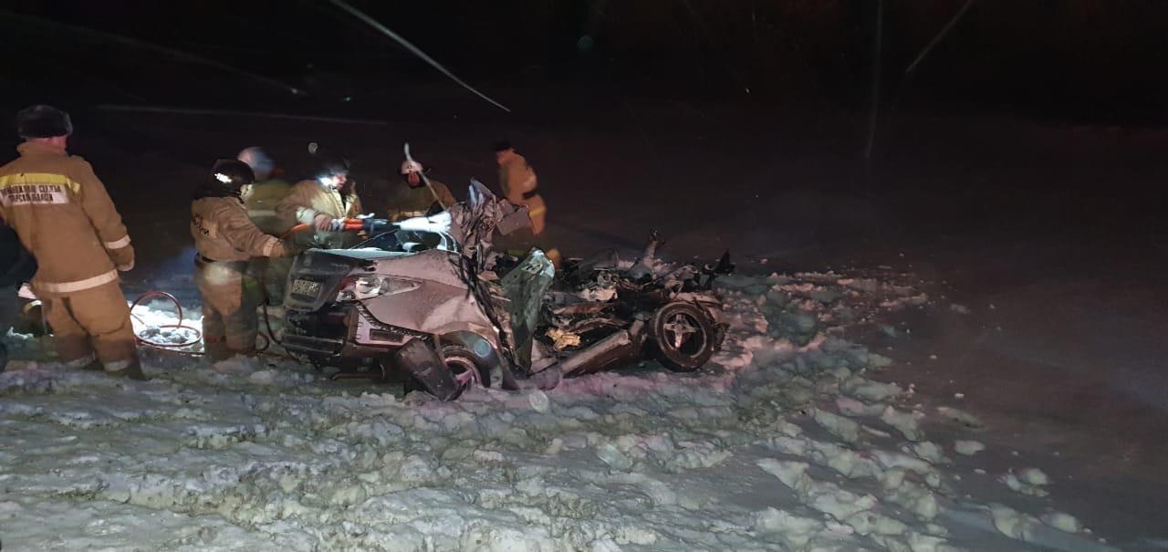 В Самарской области двое взрослых и ребенок погибли в страшной аварии