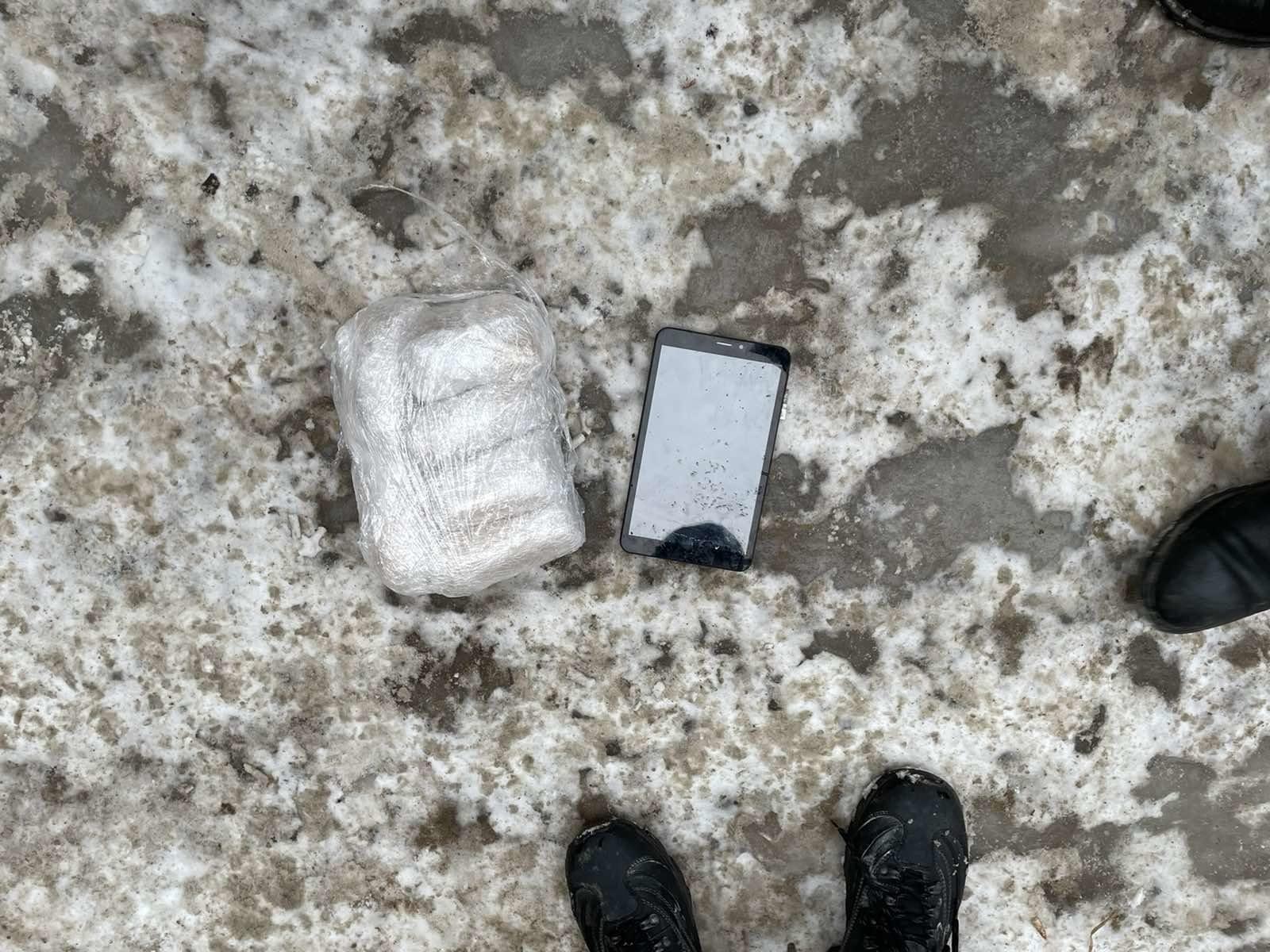 На улицах Тольятти задержан парень с килограммом героина